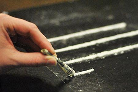 полоски с порошком-наркотиком