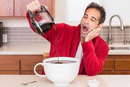 Можно ли пить кофе с похмелья: поможет или навредит