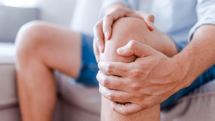 Если бросил курить и болят колени нужно разобраться в причинах