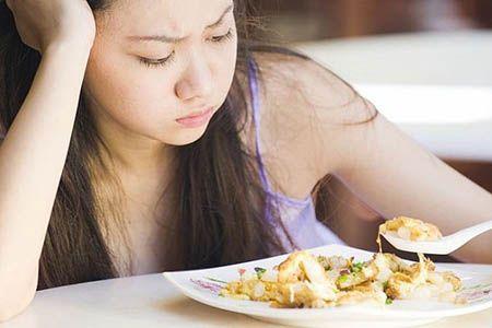 у девушки нет аппетита