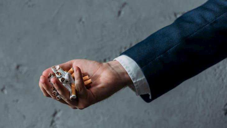 Никотиновая ломка вызывает депрессию после курения